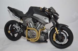 Moto imprimée et peinte par Marc, notre designer il y a quelques mois.